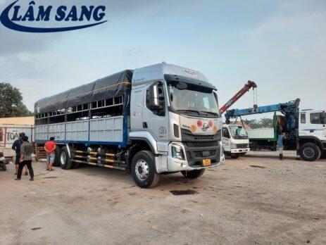 Xe tải chở hàng kcn Bình Chiểu